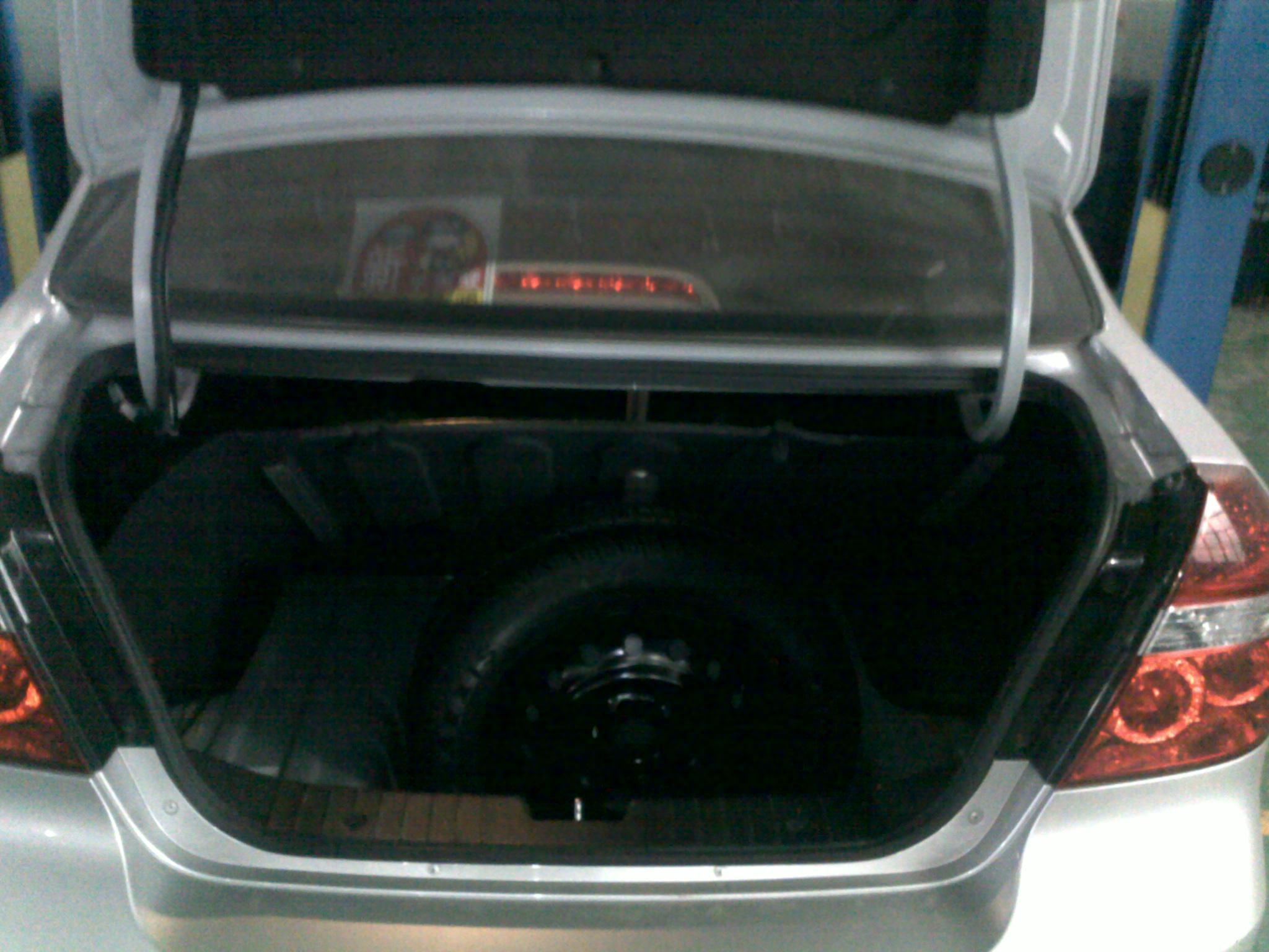 不要小瞧乐风的后备箱啊,我今年自驾游旅行时,就乐风这个后备箱放了2
