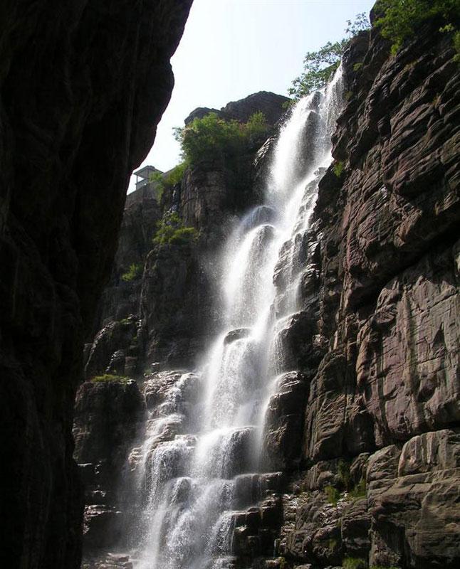 壁纸 风景 旅游 瀑布 山水 桌面 646_800 竖版 竖屏 手机