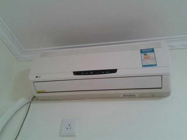 请教: 空调过滤网怎么卸下来清洗? 附空调照片,看看谁