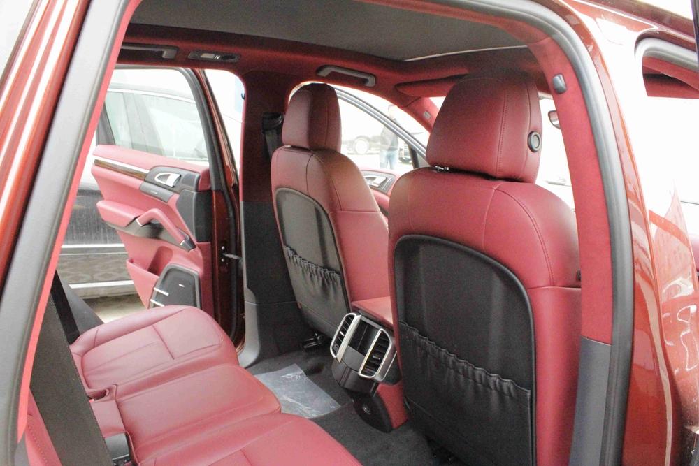 保时捷卡宴汽车内饰改装前后对比图高清图片