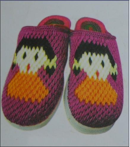 钩织宝宝鞋上编织人生论坛的钩针专区去找找贴子,那里有许多图样图解